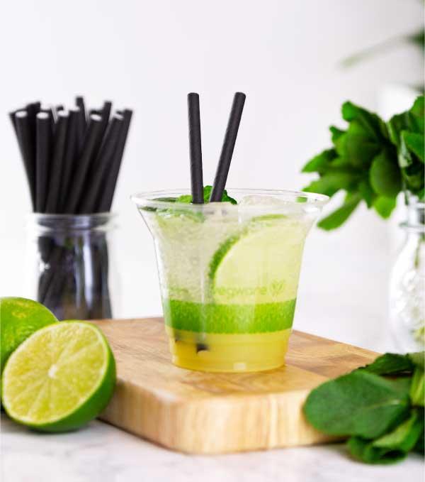 bicchiere trasparente_biodegradabile_compostabile con cannuccia